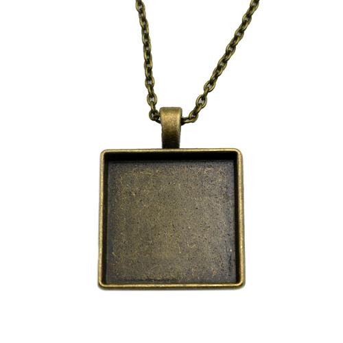 Antikolt bronz kocka medál M21